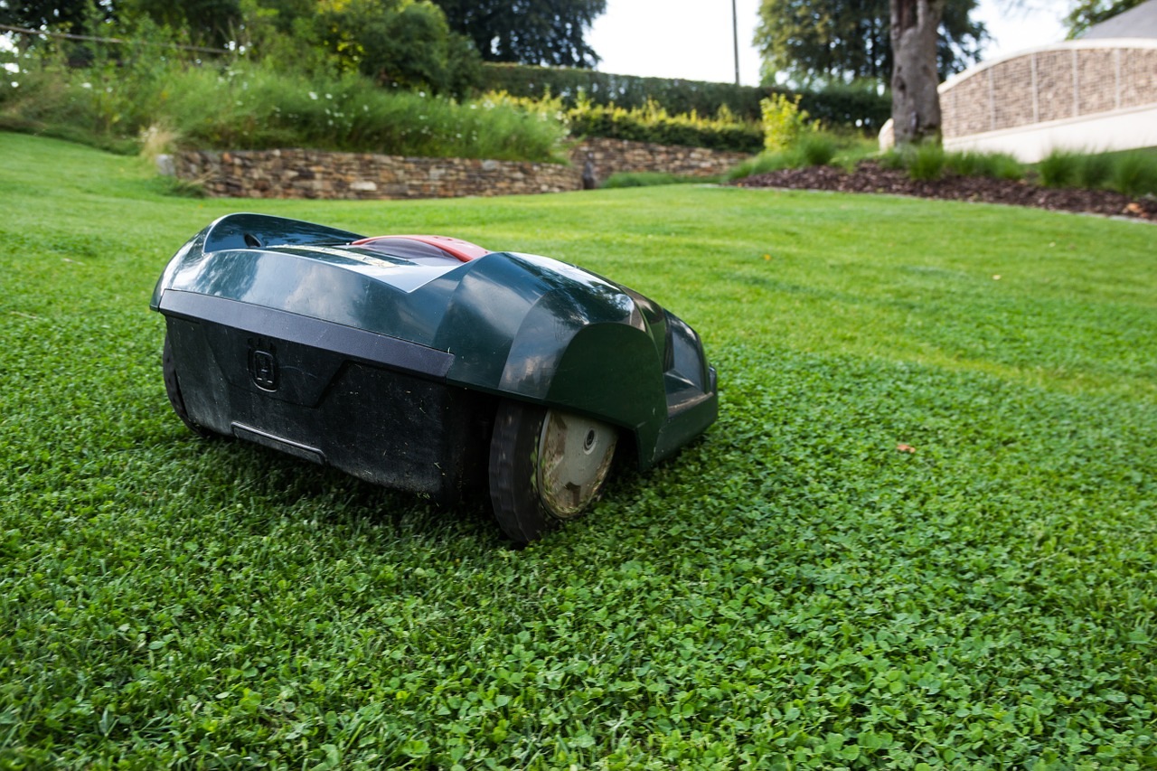 lawn-mower-414249_1280